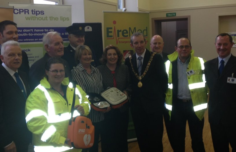 Cork City's First Community First Responder Group is Launched Pictured are members of the responder group, Minister Kathleen Lynch, Supt Con Cadogan and Lord Mayor of Cork John Buttimer.